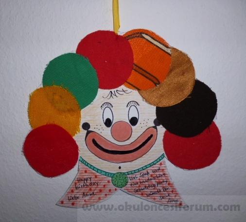 basteln fasching clown aus stoffresten okul ncesi. Black Bedroom Furniture Sets. Home Design Ideas