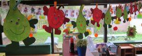 Yerli malı haftası süslemeleri için şirin meyveler :)