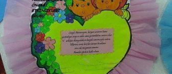 Anneler günü boyama sayfası ve sanat etkinliği örneği