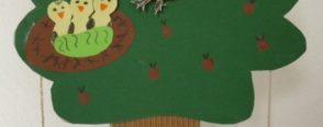 Elma Ağacında Uçan Kuş